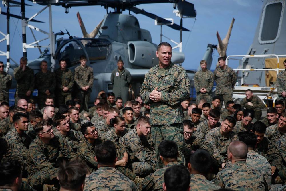 15th MEU Commander Visits Marines, Sailors aboard San Diego