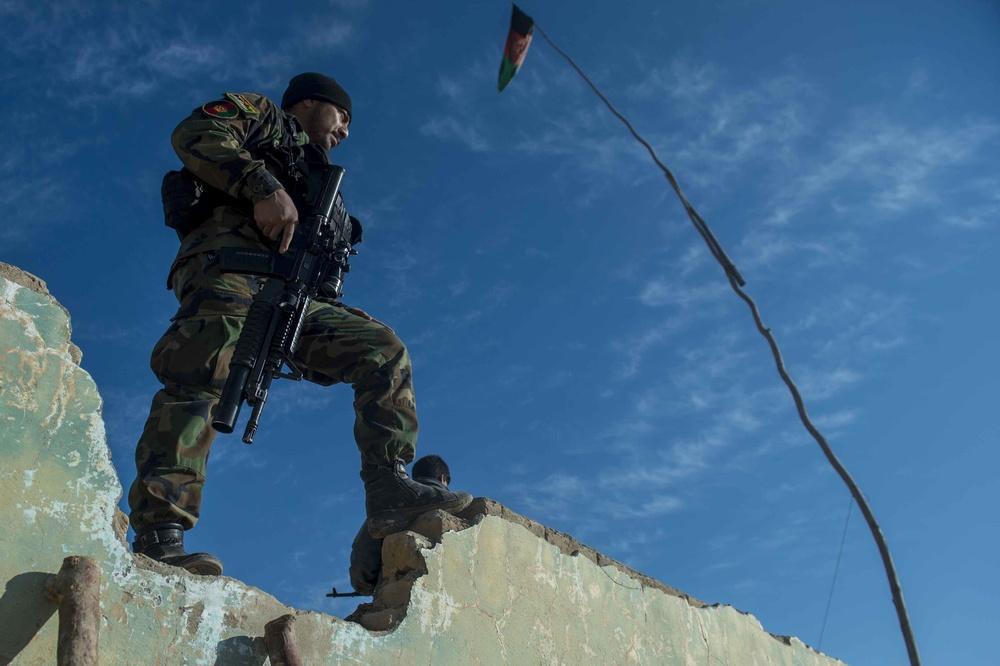 Commandos spearhead 20th Division offensive in Kunduz