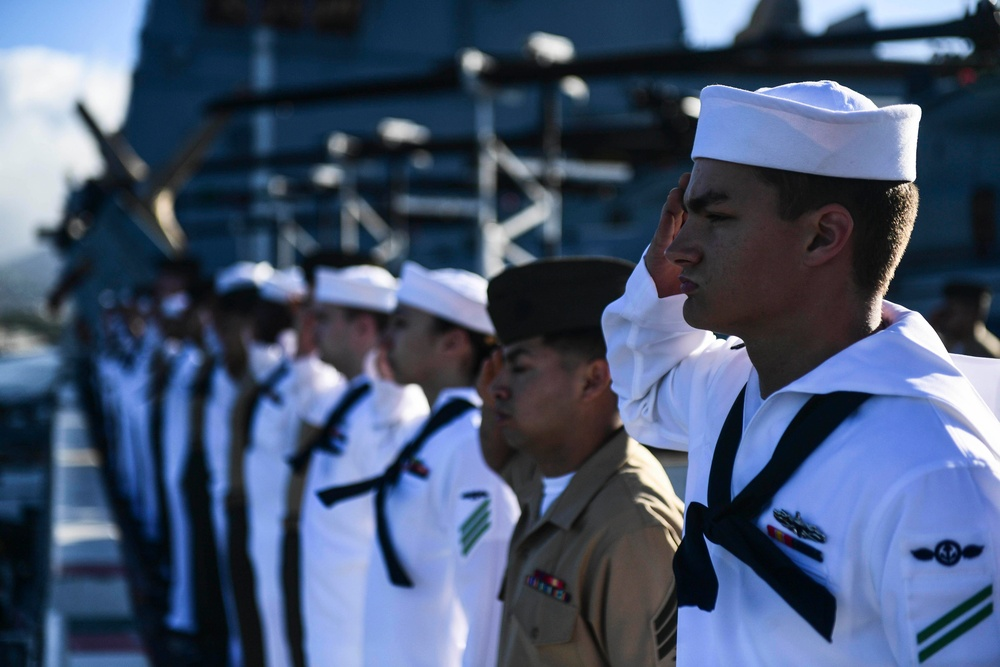 USS San Diego (LPD 22) Sailors and Marines Render Honors