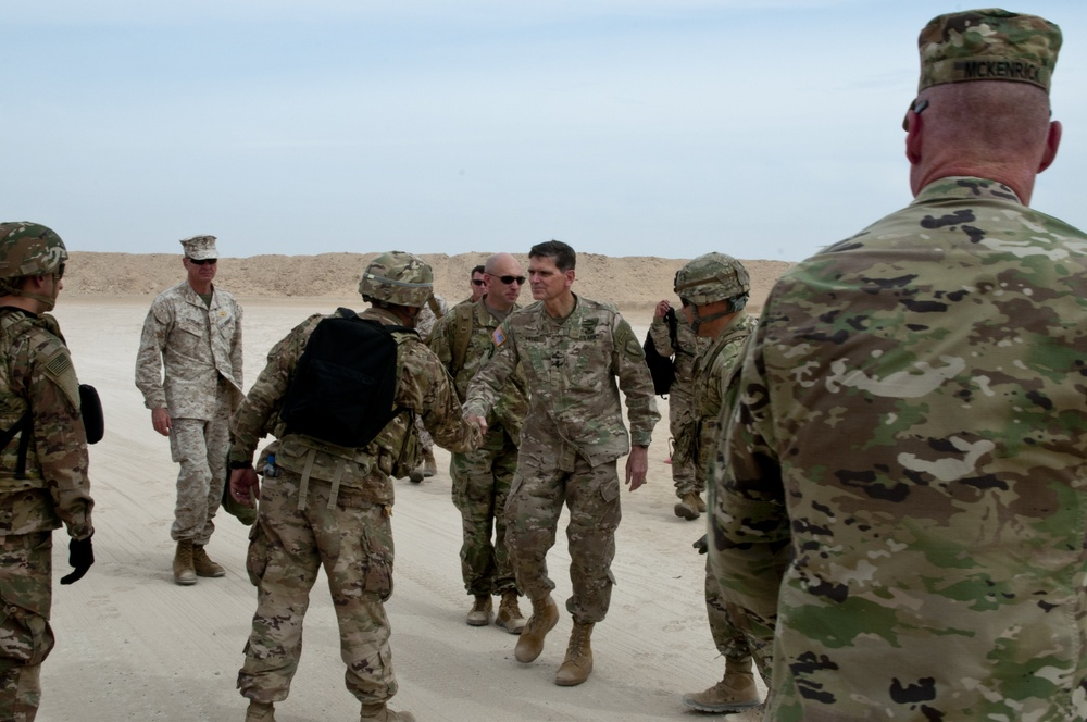 General Votel Meets Soldiers