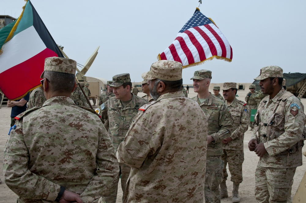U.S. Central Command Leaders Learn About Kuwaiti Military Equipment