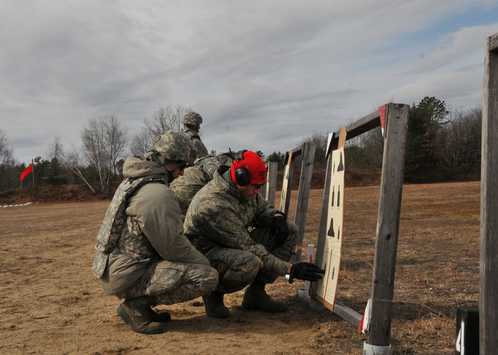 104th Fighter Wing Defenders Train Base Personnel on the M4