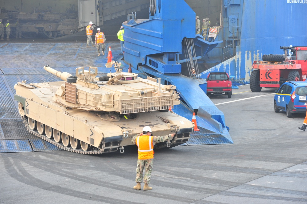 1st Cavalry arrives in Europe