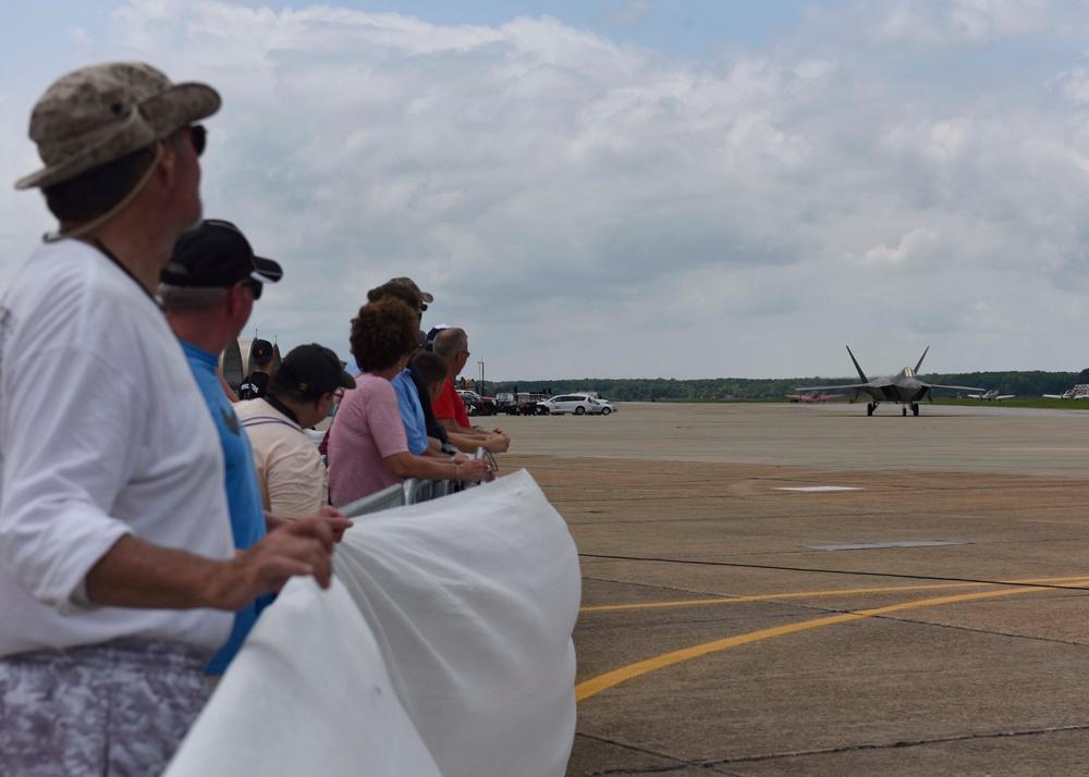 F-22 Raptor Demo Team soars over Hampton Roads