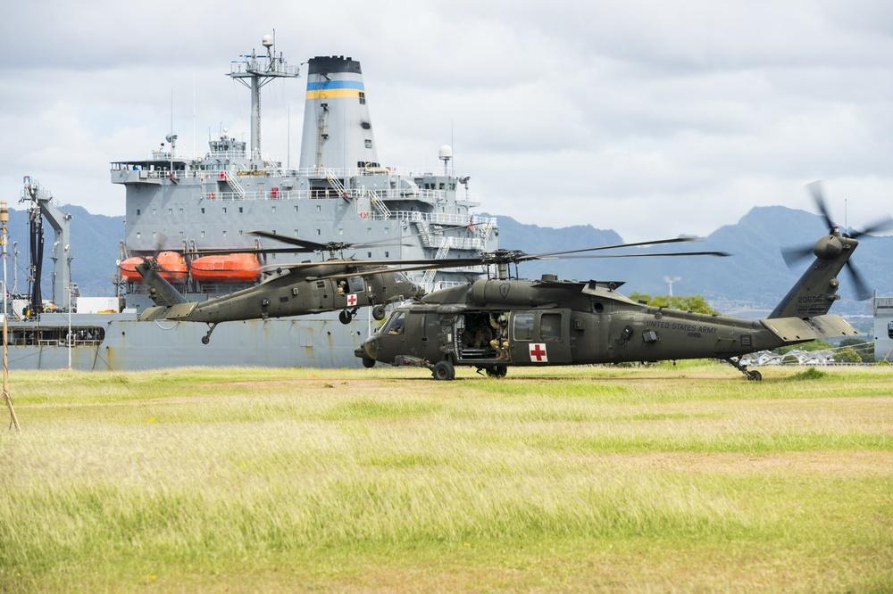 UH-60 Black Hawks Conduct Supply Drop During RIMPAC 2018 Exercise