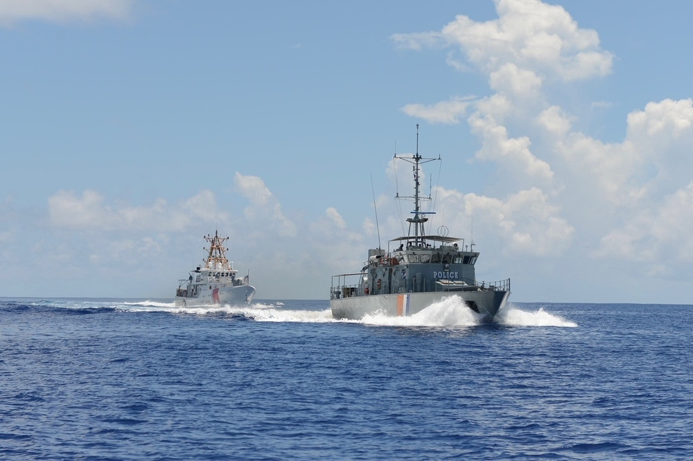 USCGC Oliver Berry conducts professional exchange with Lomor 03
