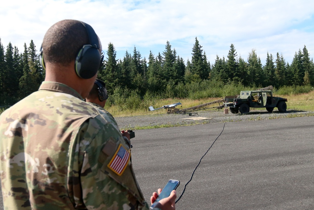 Paratroopers conduct drone training