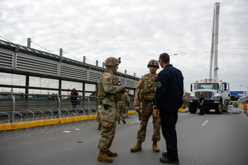 Army Engineers Apply Concertina Wire Along Mexico Border