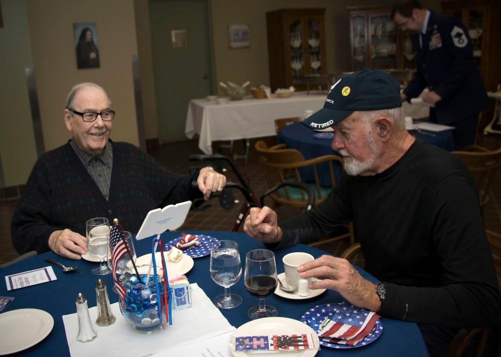 Honoring our veterans: Flying Yankees spend the day with local heroes