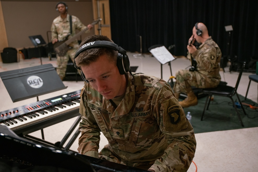PRIDE OF THE EAGLE: 101st Big 5 Rock band pays tribute to Gold Star Families