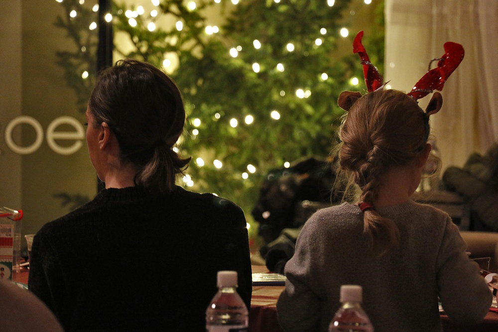 USO hosts Holiday Party for families of deployed Commandos