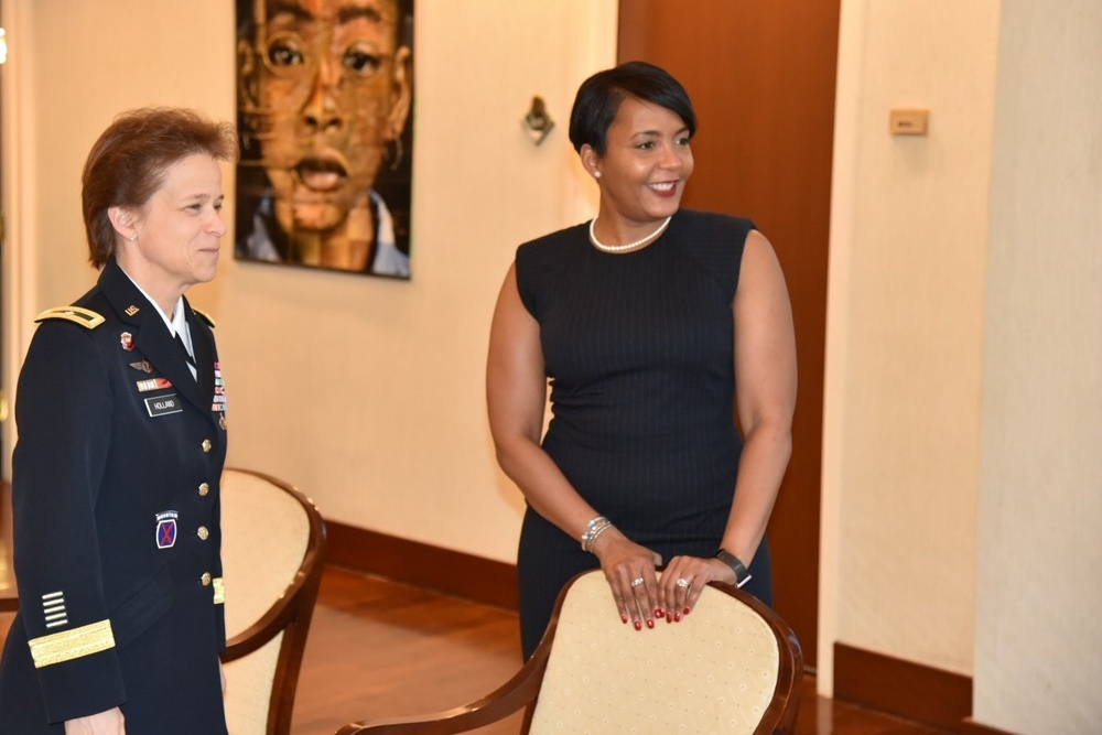 Atlanta Mayor Bottoms Meets with U.S. Army Corps of Engineers South Atlantic Division Commander