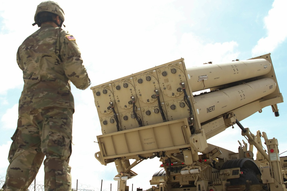 Lowering the missile pallet