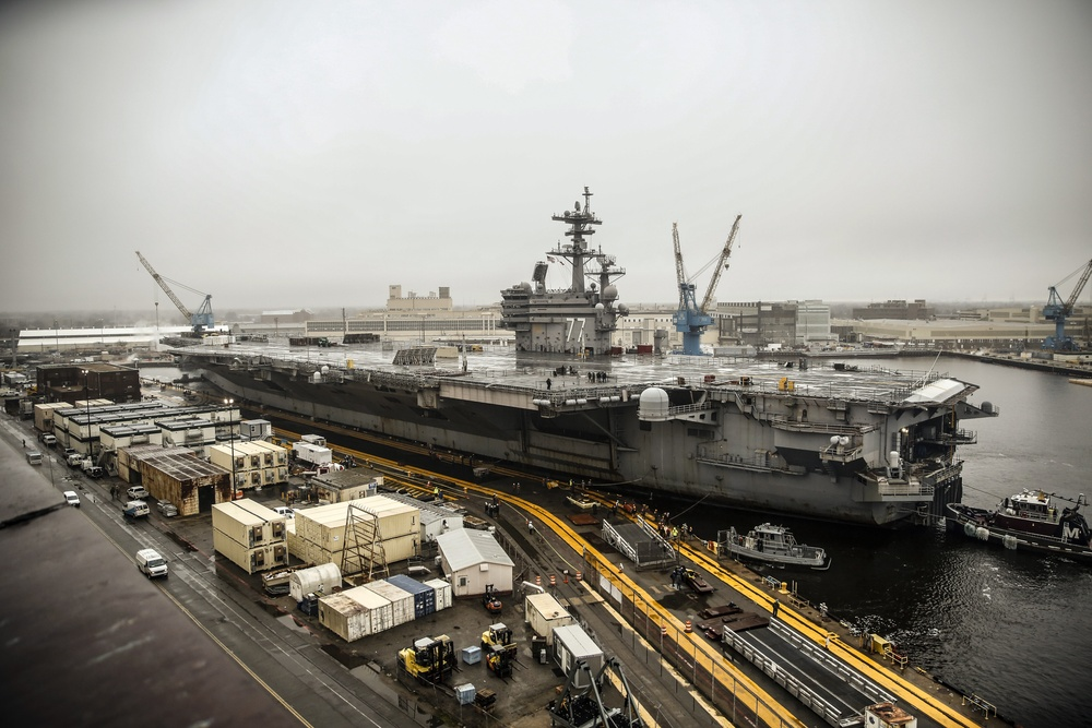 NNSY Welcomes USS George H.W. Bush for Dry-docking Planned Incremental Availability
