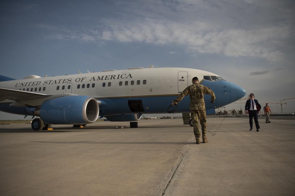 SAM Fox team provides executive airlift to CENTCOM commander