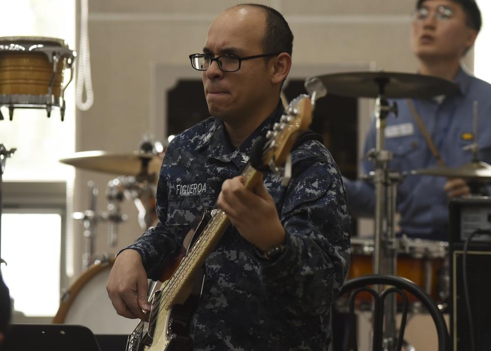 7th Fleet Musician Recieves National Outstanding Musician Award