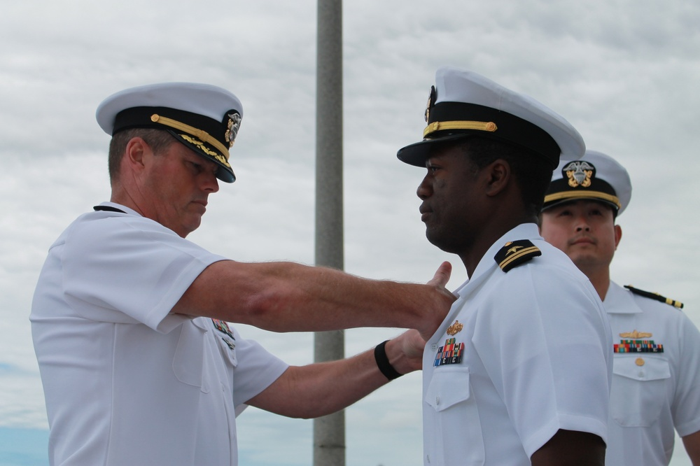 Lieutenant Assumes Command in New Position in Coastal Riverine Force