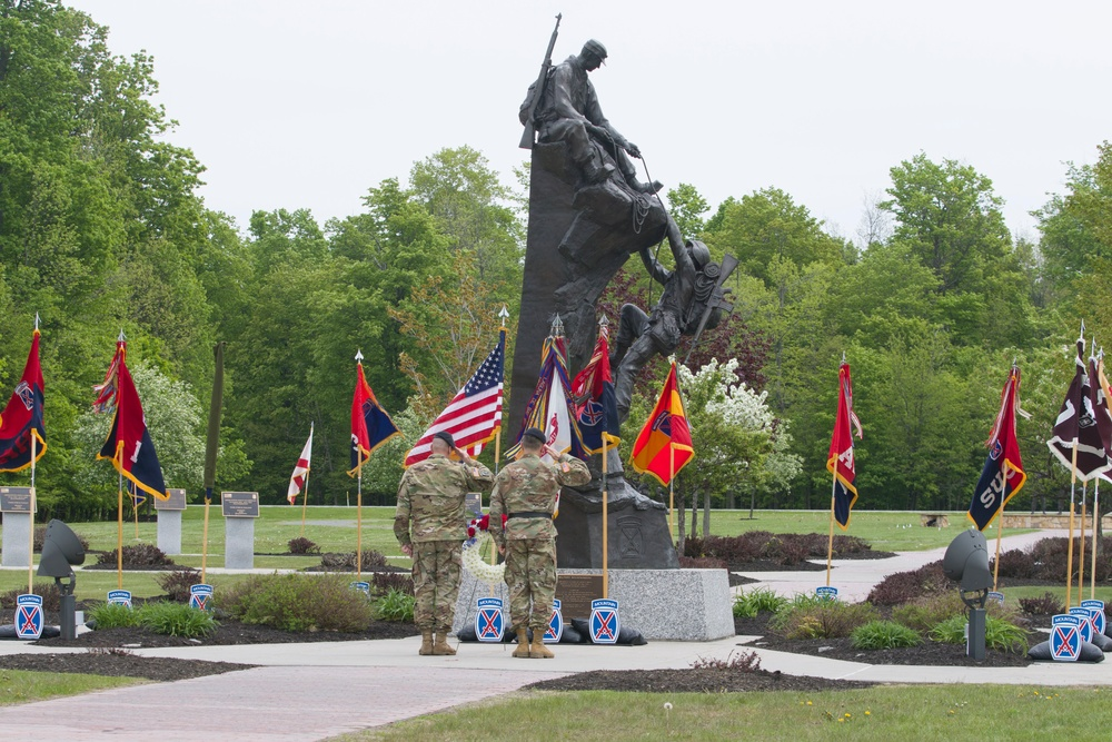 10th Mountain Division conducts wreath-laying ceremony