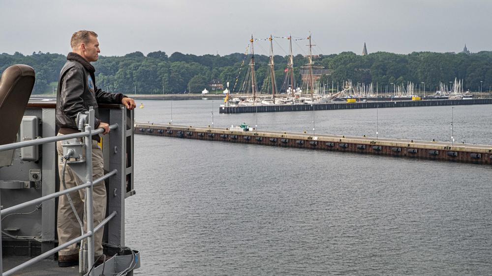 USS Mount Whitney (LCC 20) BALTOPS 2019 return to Kiel