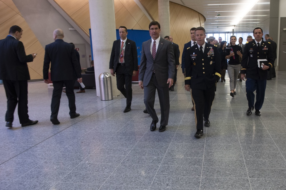 Acting Secretary of Defense Meets With Resolute Support Commander