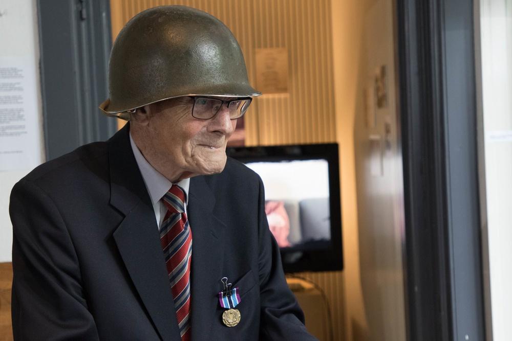 WWII Dutch civilian volunteer receives the Civilian Award for Humanitarian Service medal