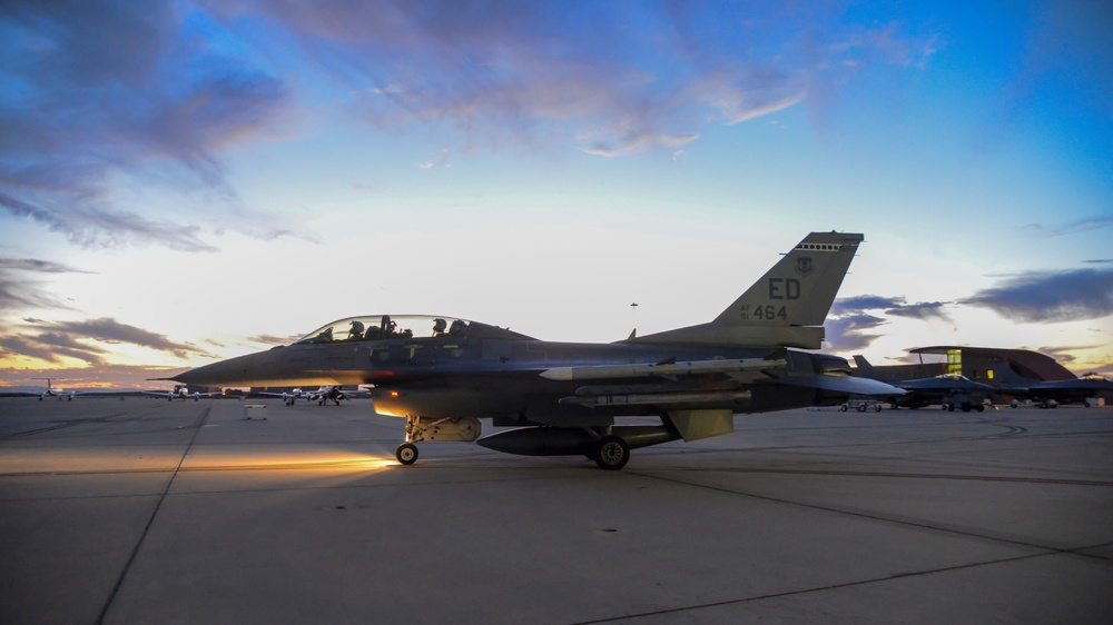 416th FLTS conducts nighttime flight training