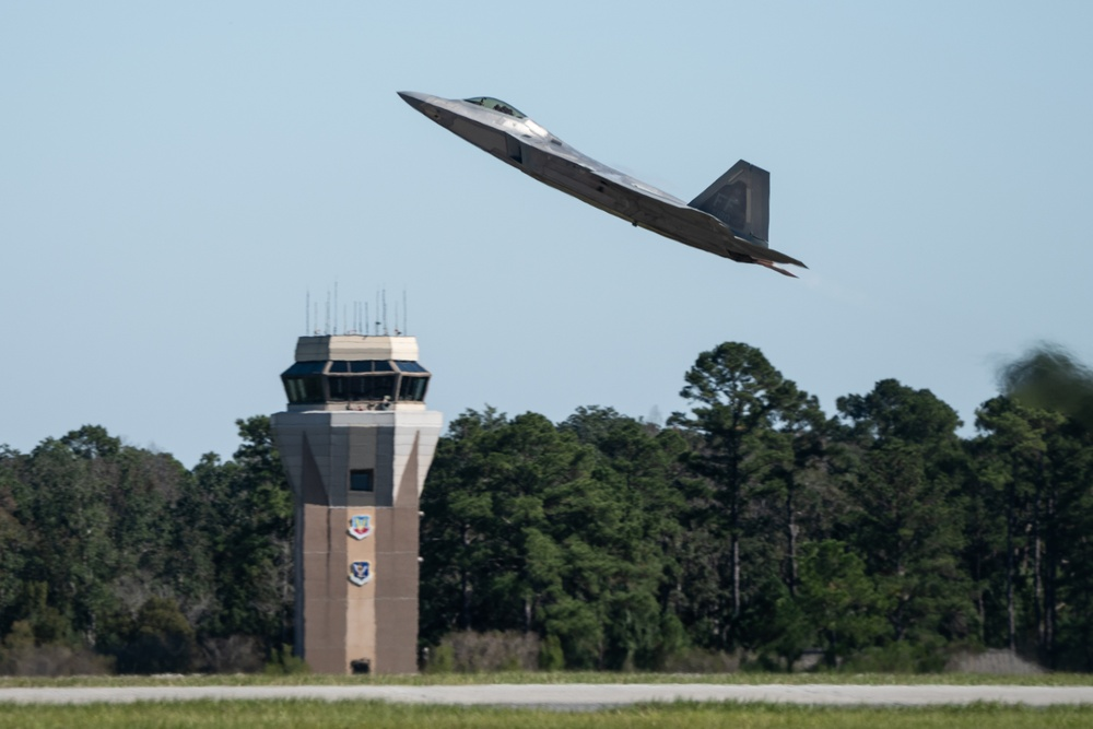 F-22 Brings the Thunder over South Georgia