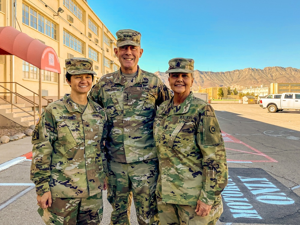 Chief of Army Reserve visits Fort Bliss Mobilization Brigade