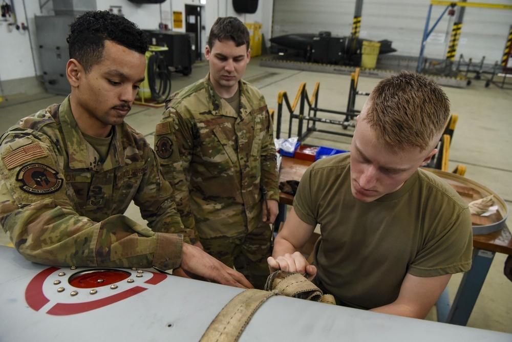 Spangdahlem augmentees learn F-16 fuel tank build-up