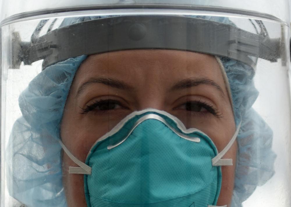 Medical staff combats COVID-19