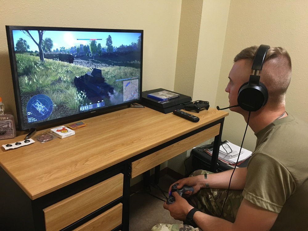 Soldiers maintain readiness playing video games