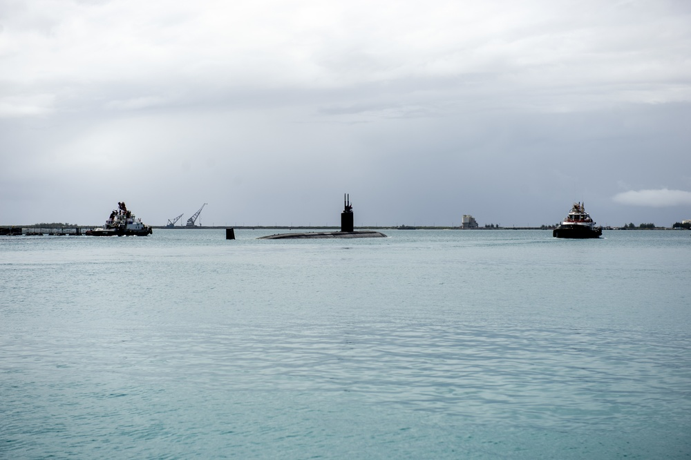 USS Alexandria Transits Apra Harbor
