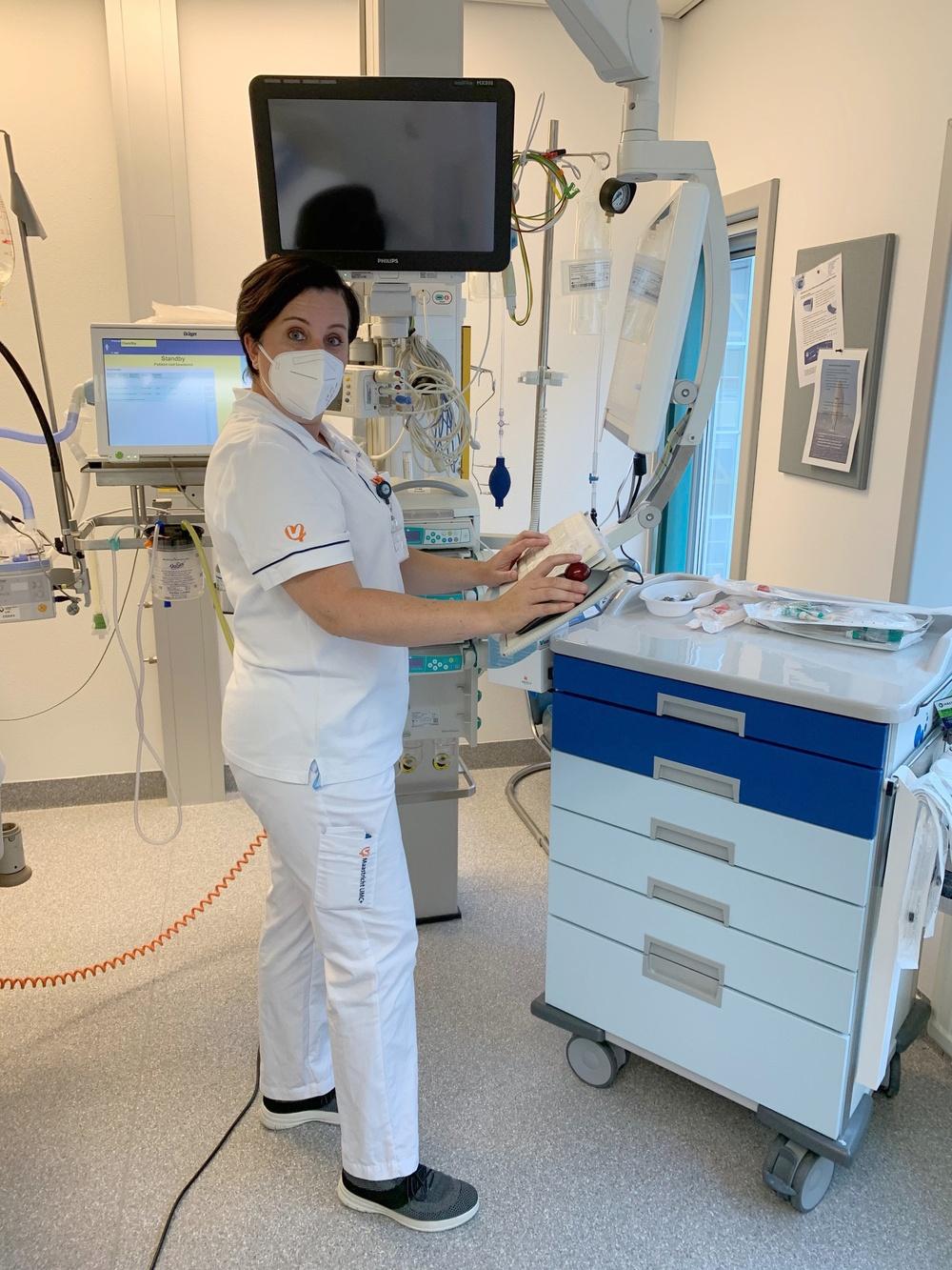 Banks-Gonzales volunteers as nurse in Maastricht during COVID-19