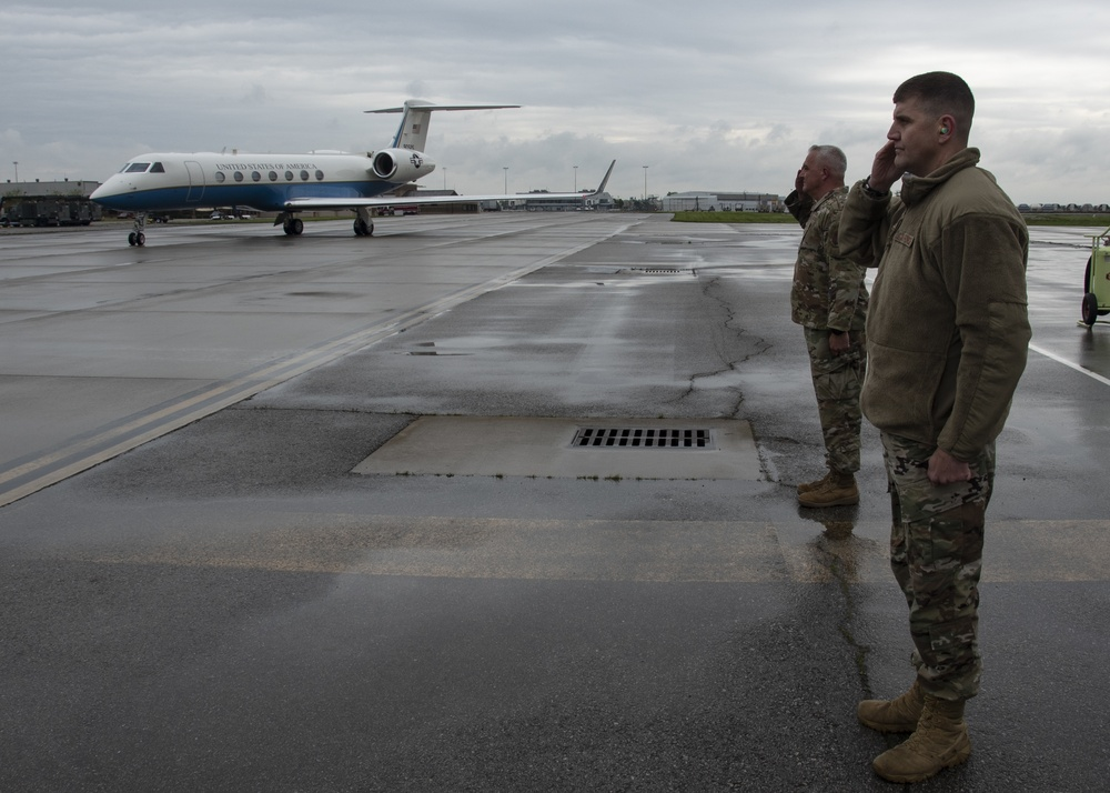 General Lengyel Visits the 121st Air Refueling Wing