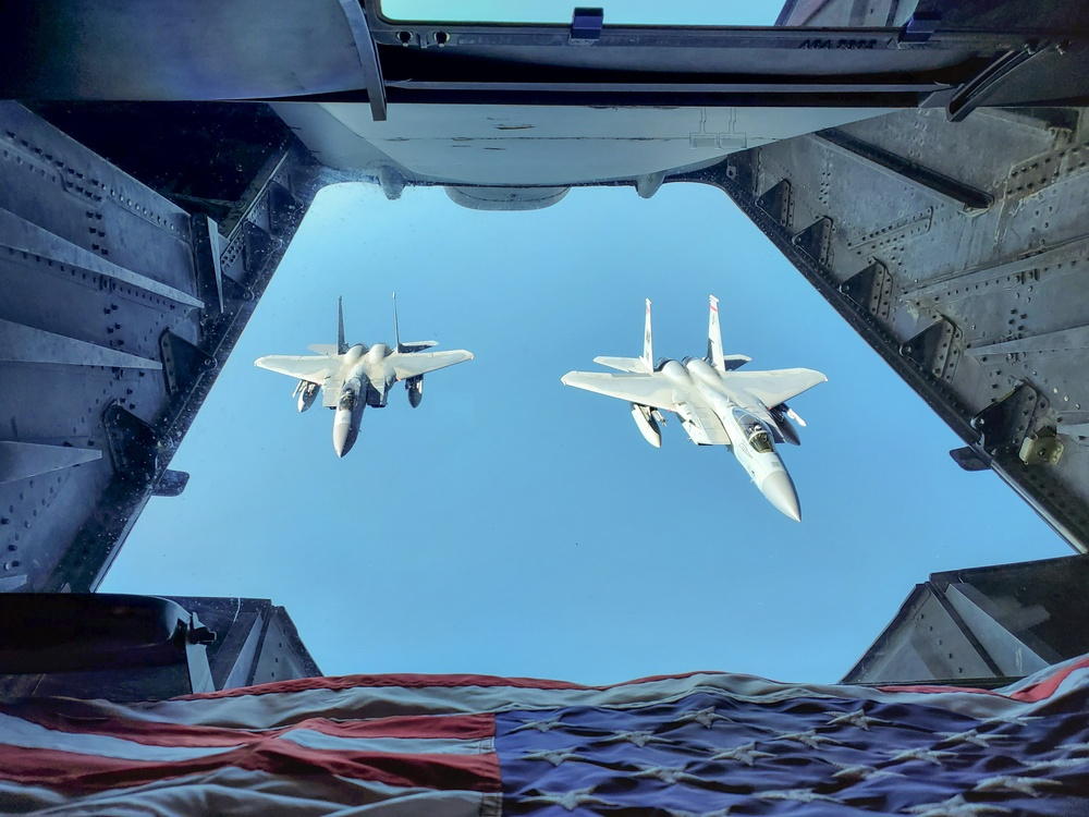 Freedom Wing Aerial Refuel Mission   #AmericaStrong