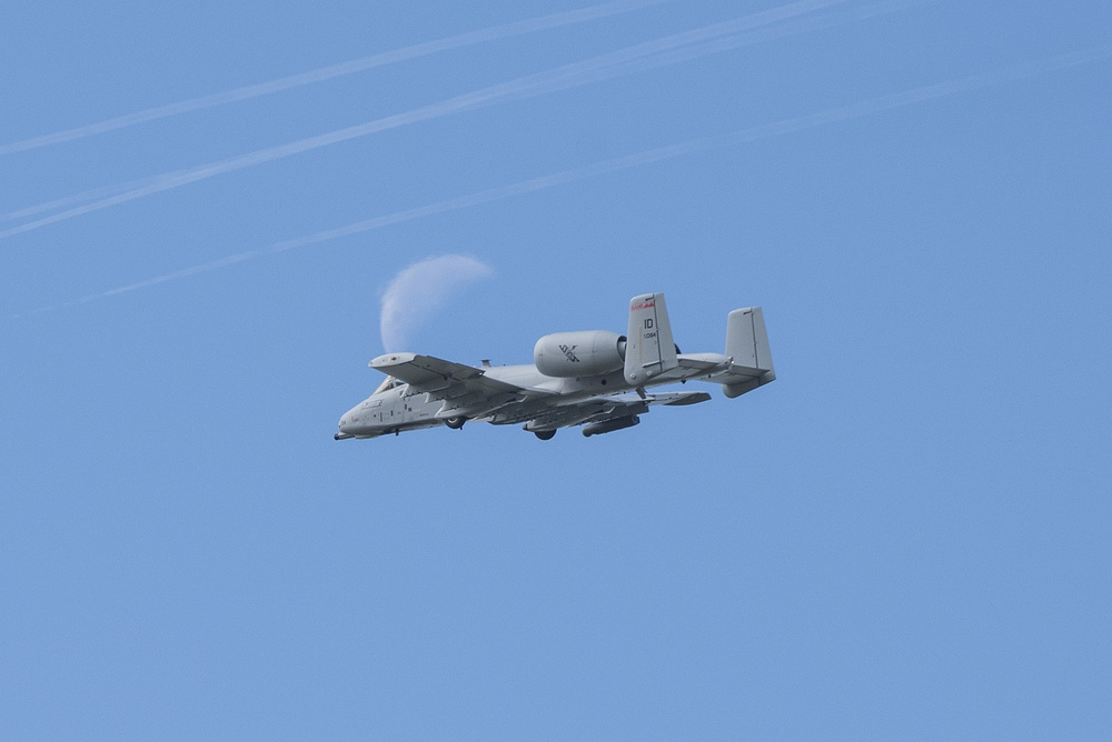 Idaho Air National Guard and Air Force join forces in flight to honor essential workers
