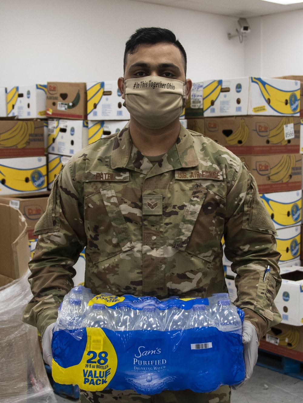 Members of the 121ARW support Ohio food bank