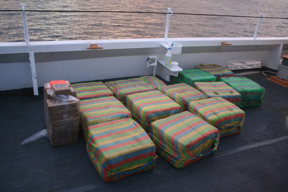Coast Guard seizes 1,090 lbs of suspected cocaine from smuggling vessel off Central American coast