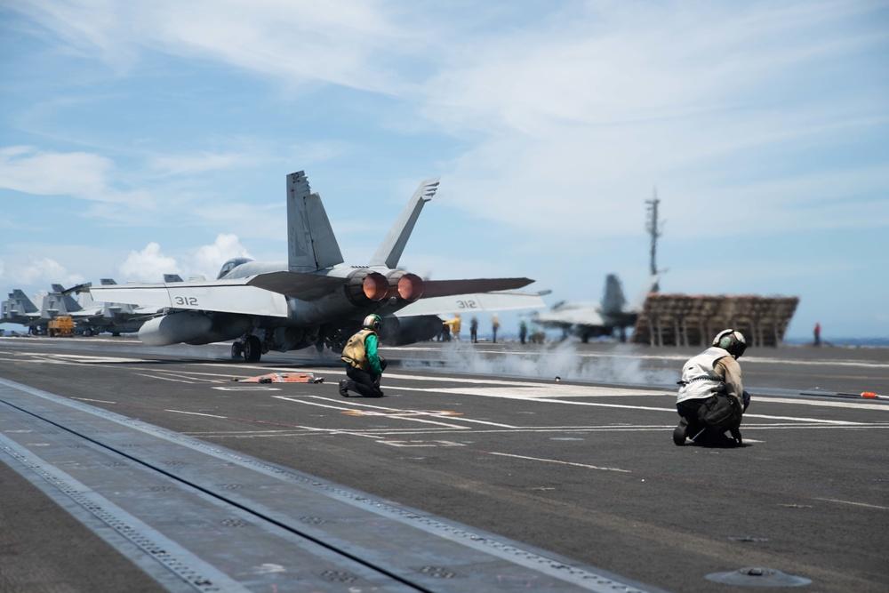USS Ronald Reagan (CVN 76) Flight Operations