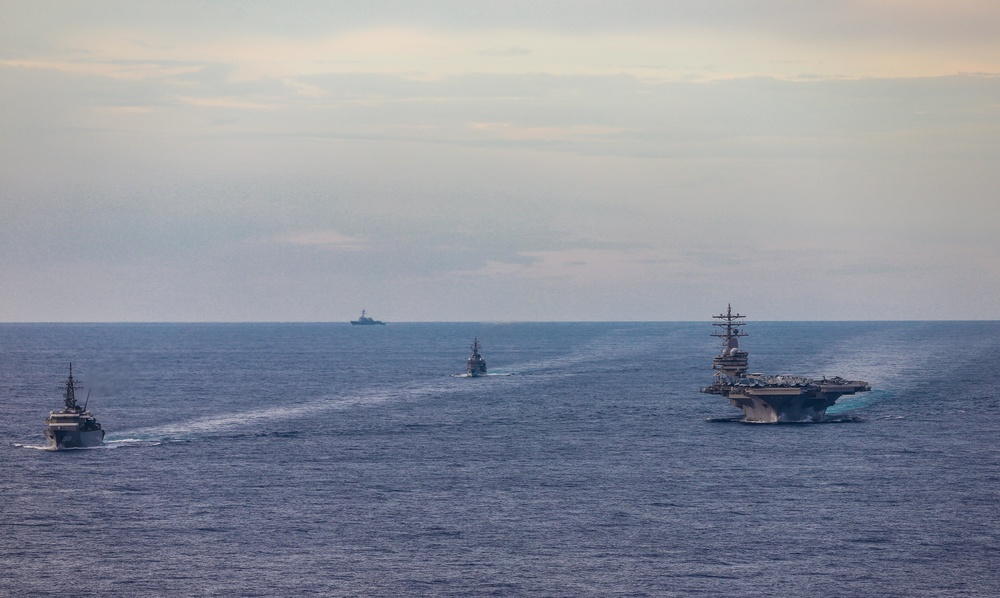 JMSDF conducts PASSEX with USS Ronald Reagan