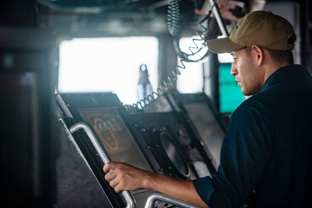 Truxtun Supports Naval Operations in 5th Fleet Area of Operations