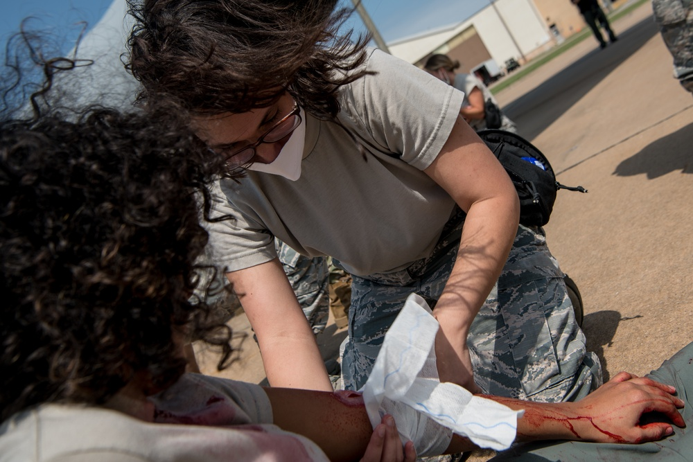 Airmen from Tinker, Will Rogers participate in tactical medical training