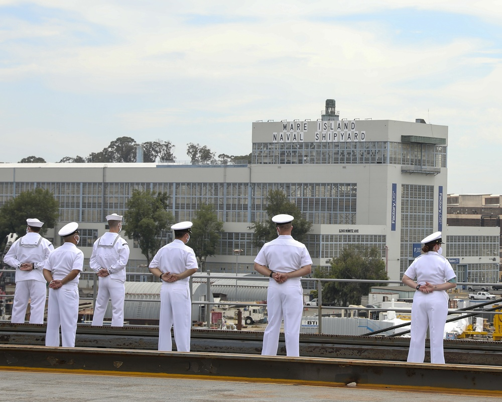 USS Emory S. Land Arrives in California for Scheduled Maintenance