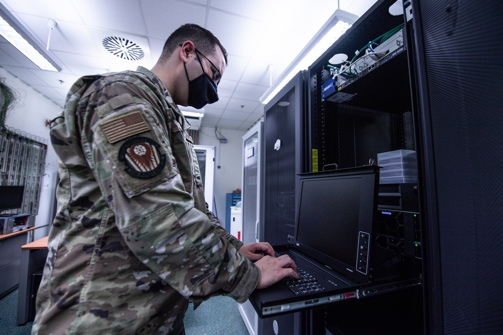 721 MSS communications: Maintaining rapid global mobility