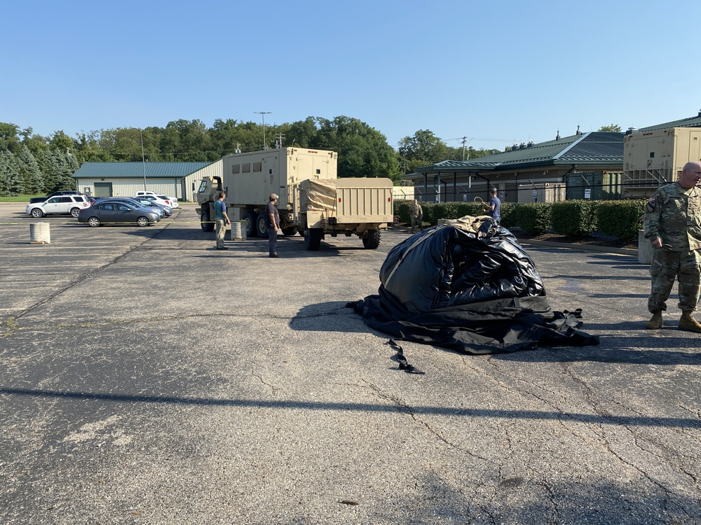316th ESC Erects Early Entry Command Post