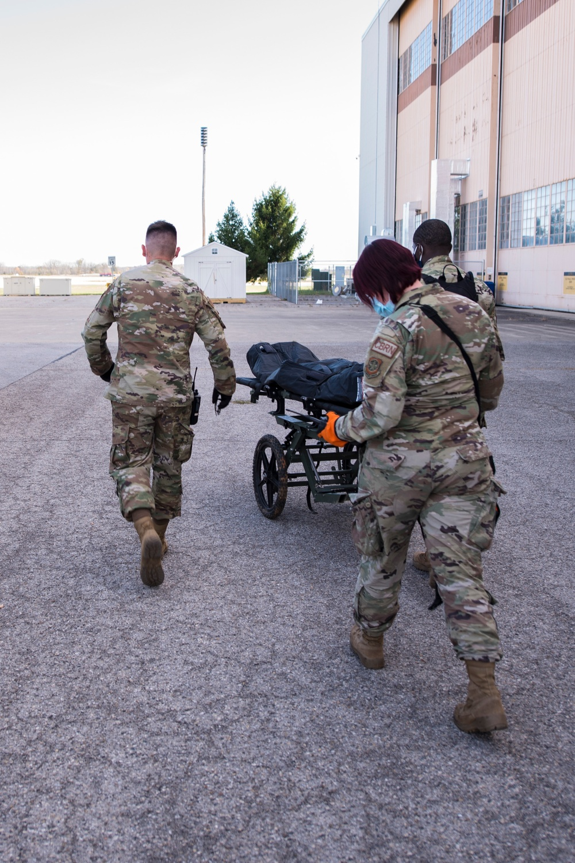 Ohio Guardsmen conduct training