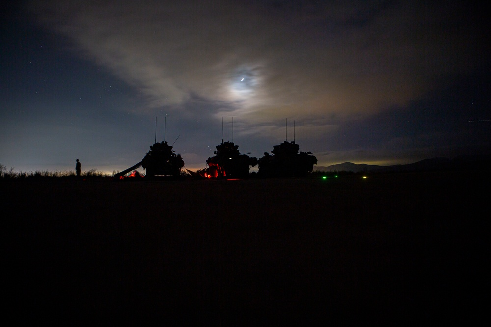 15th MEU LAR Marines conduct amphibious assault training