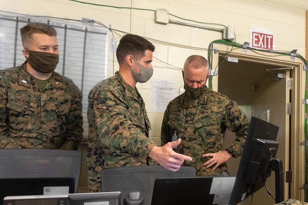 III MEF commanding general visits Yama Sakura 79