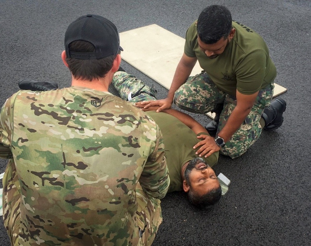 US, Maldives Share Experiences During Military-to-Military Contact