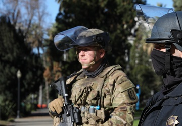 Cal Guard and CHP protect the Capitol in Sacramento